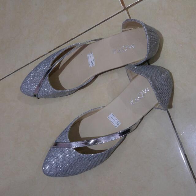Sepatu Silver. Uk.39