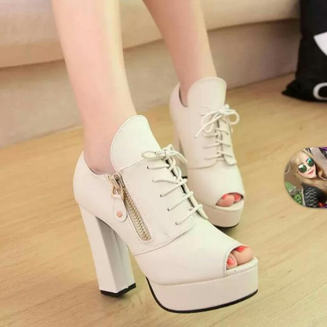 e6edcf82c43 Spring and Autumn summer sandals new shoes with high heels thick fish head  patent leather PU zipper Korean version of the factory price SIZE 35-47 Pre  Order ...