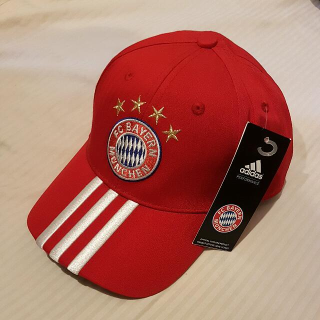 Topi Bayern Munchen Sports Athletic Sports Clothing On Carousell