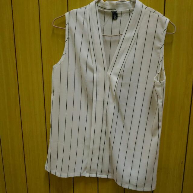 白色線條V領襯衫