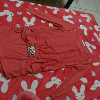 粉色長袖洋裝