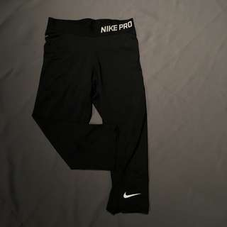 Nike Pro Capris Size Small
