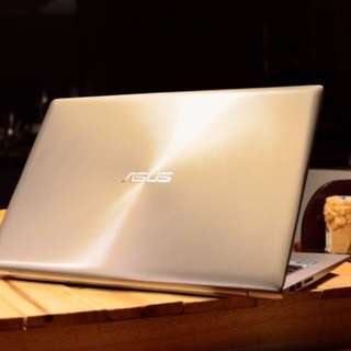 near NEW Asus Zenbook w 12GB RAM 1TB memory & warranty
