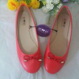 New Flat shoes the little thing she needs (Size 38)