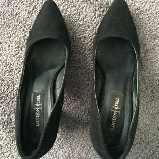 London Rebel Heels Black Suede Size 7