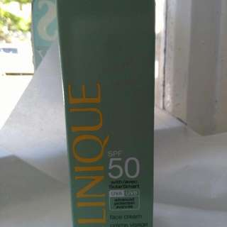Clinique Sunscreen Spf50