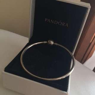 Pandora Bangel