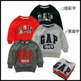 童裝,圓領刷毛上衣,全新售價390元。GAP