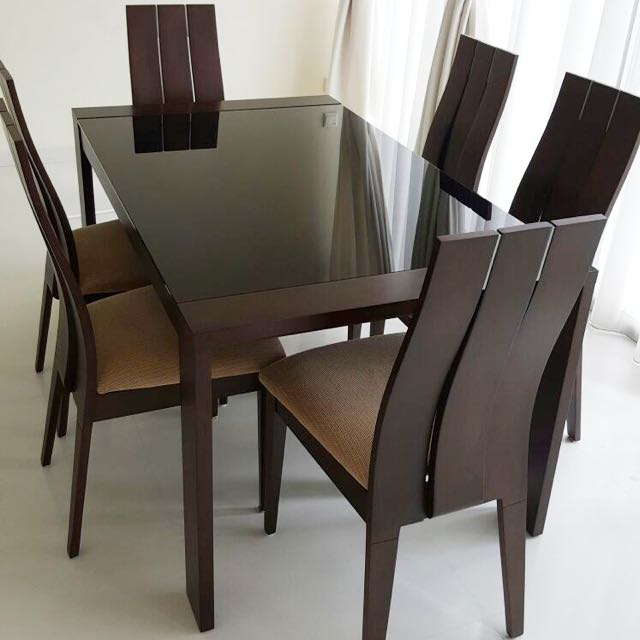 6 Seater Dining Table (extendable!)