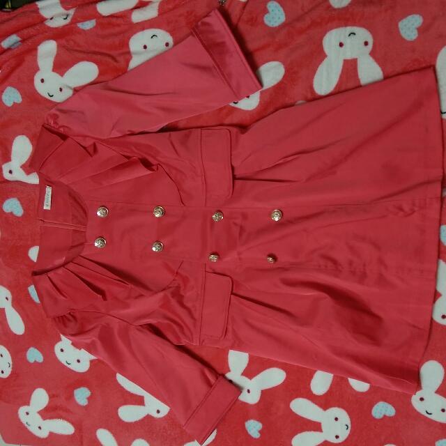 桃紅緞面設計感洋裝