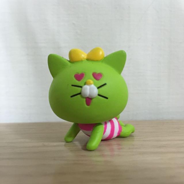 綠色花痴小貓貓 吊飾 扭蛋 含運 愛心~
