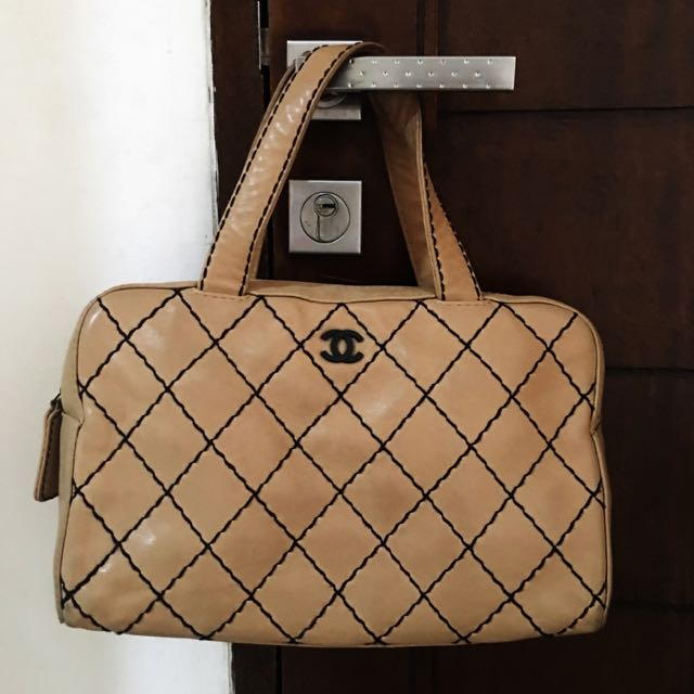 Authentic 💯 Chanel Bag Lambskin Leather