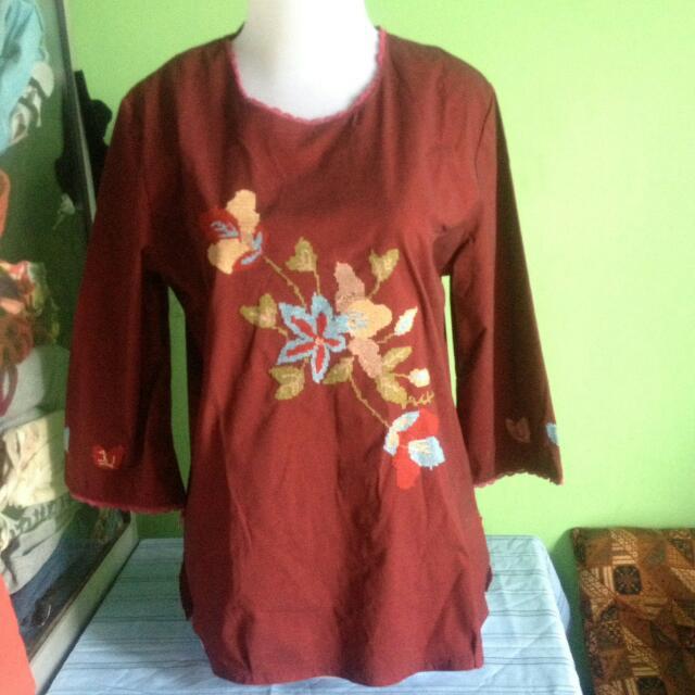 Baju Merah Bunga2