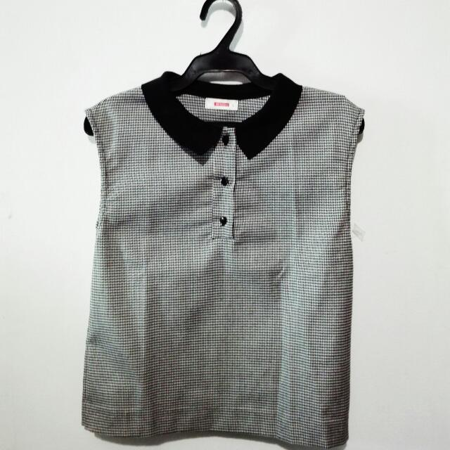 Bench Sleeveless Black & White Blouse W/ Collar