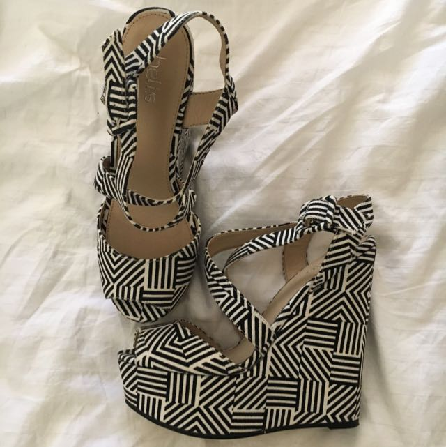 BETTS Mono Geo Print Wedges Size 5
