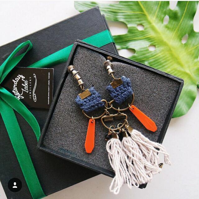 blue orange necklace