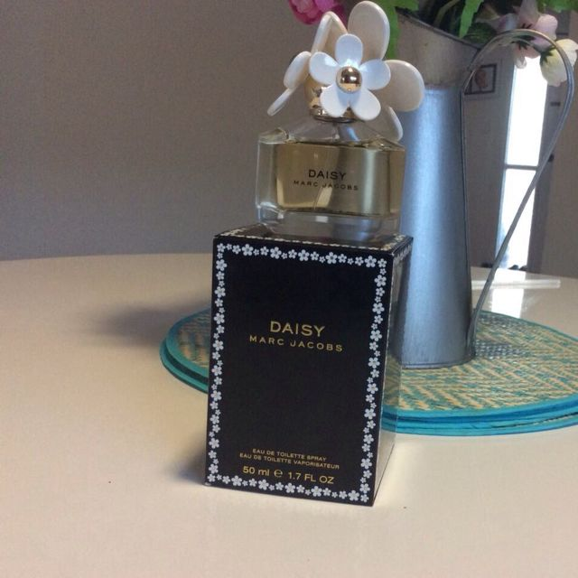 Daisy Perfume By Marc Jacobs