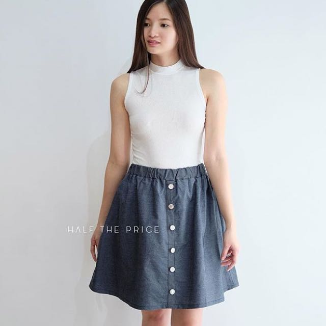 Pull-on Buttoned Skirt