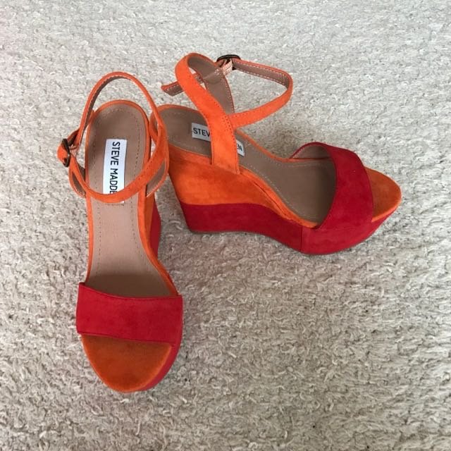 Steve Madden Two Tone Wedges Size 6 NEVER BEEN WORN