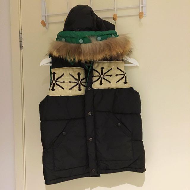Vest - Reversible Black/Green - Removable Hood - Warm