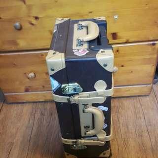 日本古董行李箱