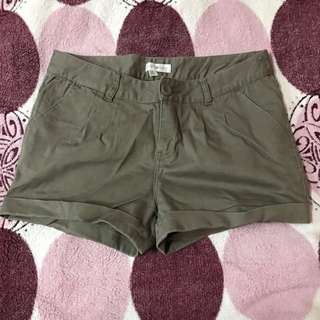 CACHE CACHE taupe shorts