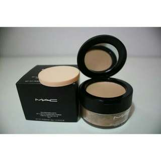 MAC LOOSE POWDER AND FOUNDATION 2 IN 1