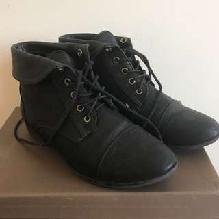 Novo Black Ankle Boots Size 6