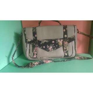 BLACKSHEEP sling bag