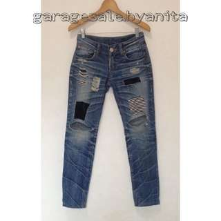 Ripped Patchwork Jeans