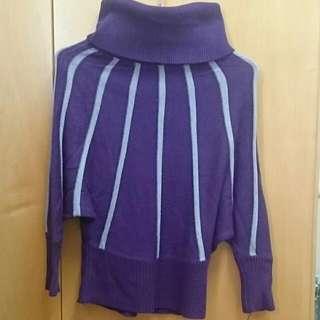 紫色高領蝙蝠形毛衣