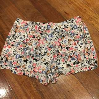 Forever 21 Flower Printed Cloth Shorts