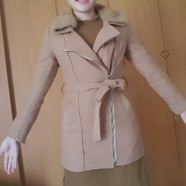 駝色軟毛披肩貼身大衣