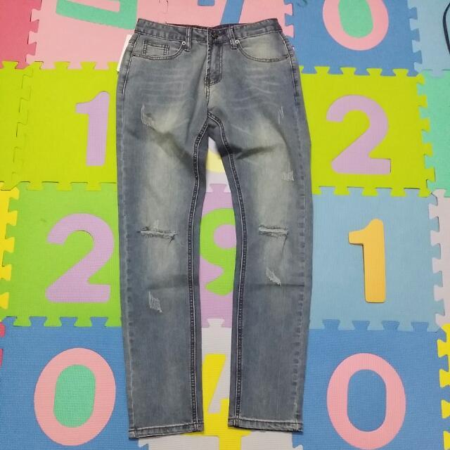 淺藍 刀割 破壞 牛仔褲(保留)