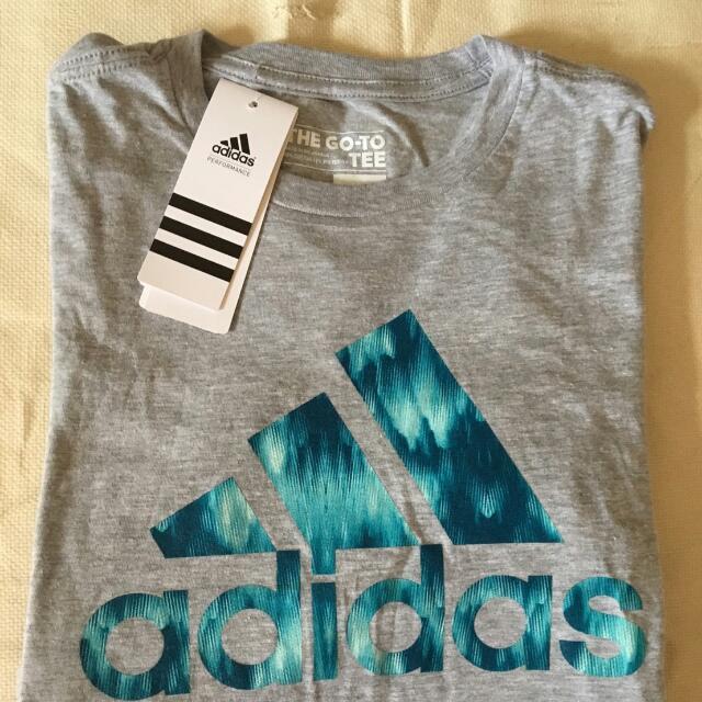 Adidas 灰色短T-shirt