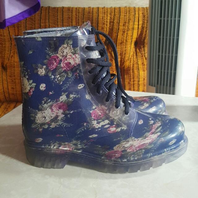 Floral Lace Up Gum Boots