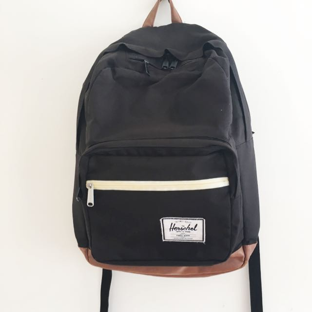 FREE POSTAGE 💌🔁 Herschel Supply Co Backpack