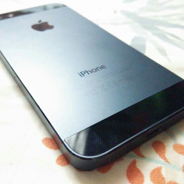 iPhone 5 16gb Space Grey Globe Locked
