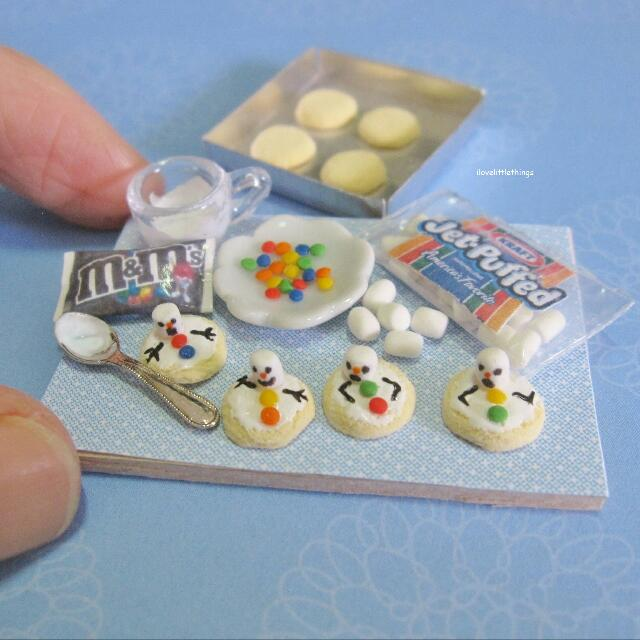 Miniature Making Snowman Christmas Cookies