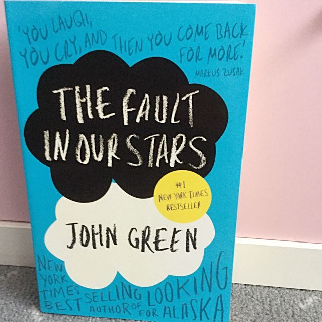 NEW The Fault In Our Stars- John Green