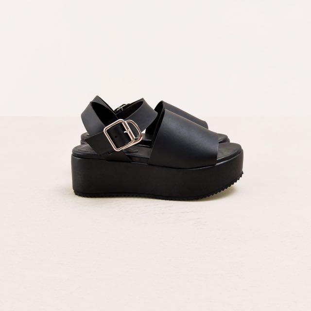 (二手)pazzo韓國個性寬帶厚底涼鞋