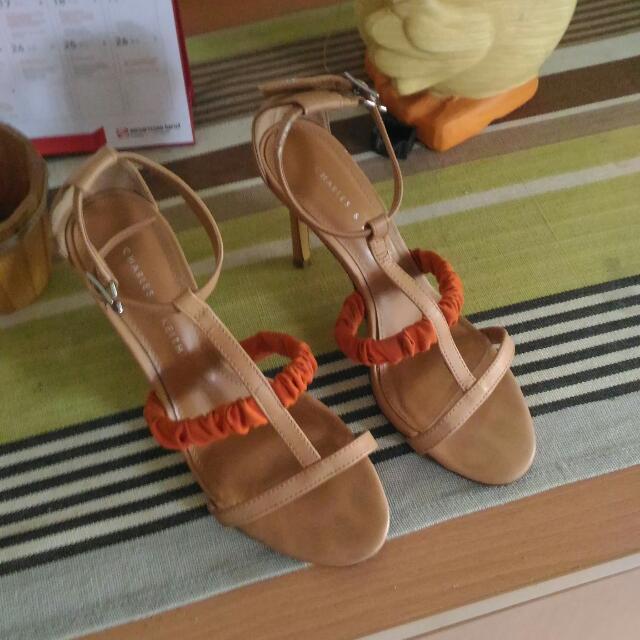 Sendal CnK Size 35 Brown
