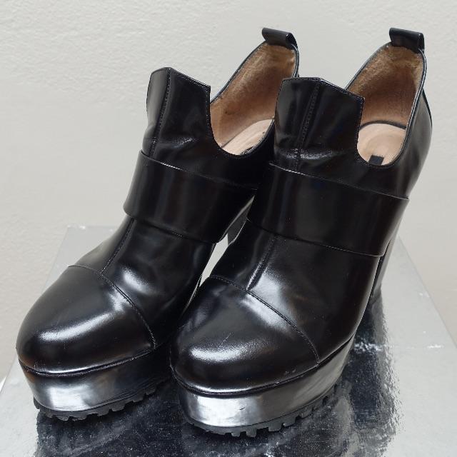 SENSO black patent leather platform heeled boots SIZE 39 RRP$265