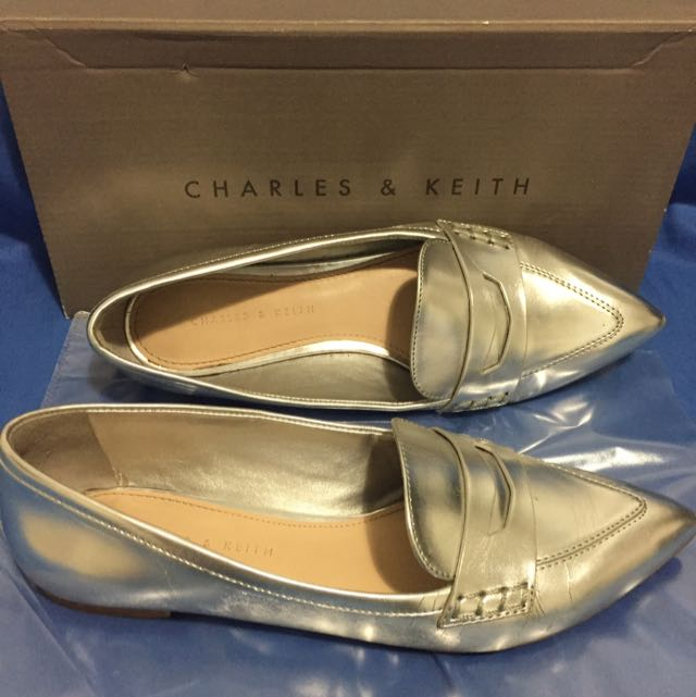 Silver pointed toe flats