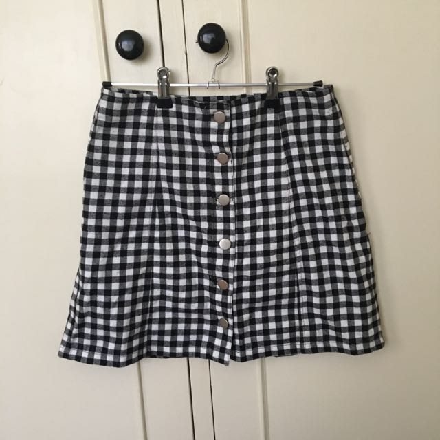 Size 8 - Black And White Checkered Skirt