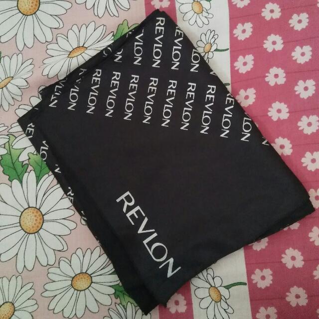 Syal Black Revlon