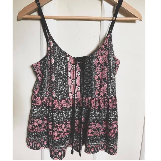 Temt Pink/Black Pattern Crop