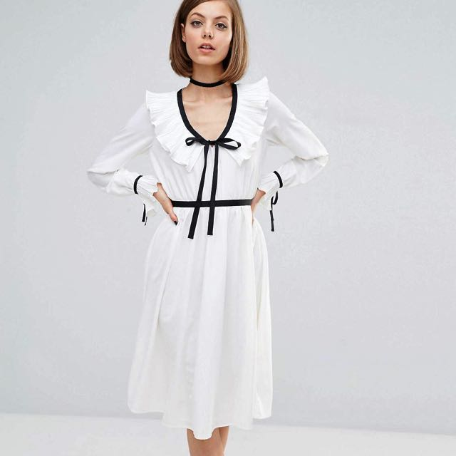 White Pleated Collar Dress Size 4