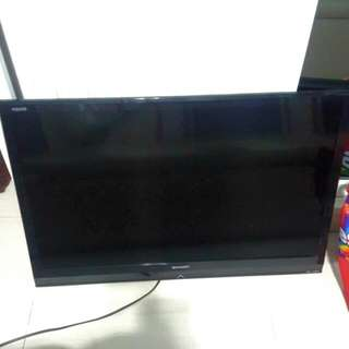 "(SPOILED) Sharp Aquos 32"" LCD TV"