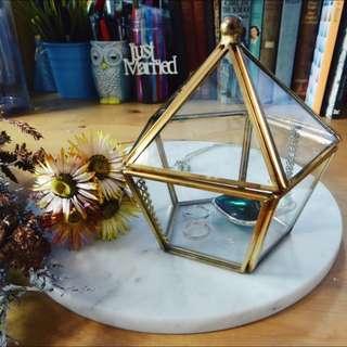 <PO> BN Vintage-esque brass hexagonal glass case / geometric terrarium / glass jewellery box